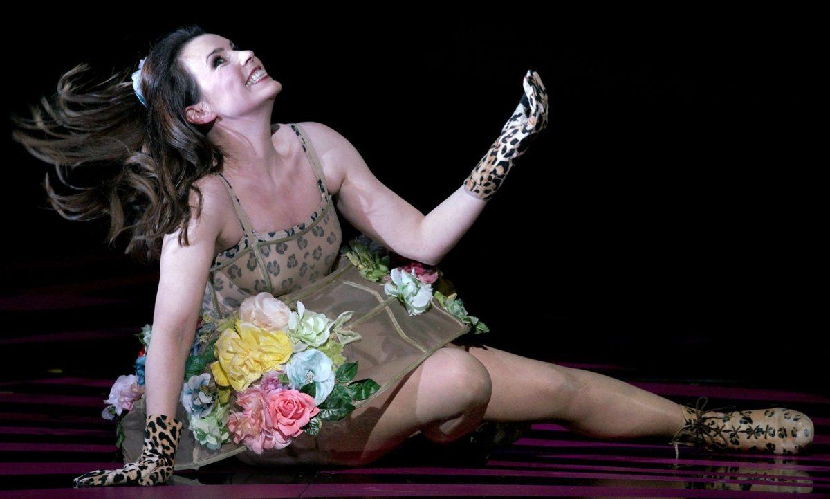 Anna Devin, opera singer